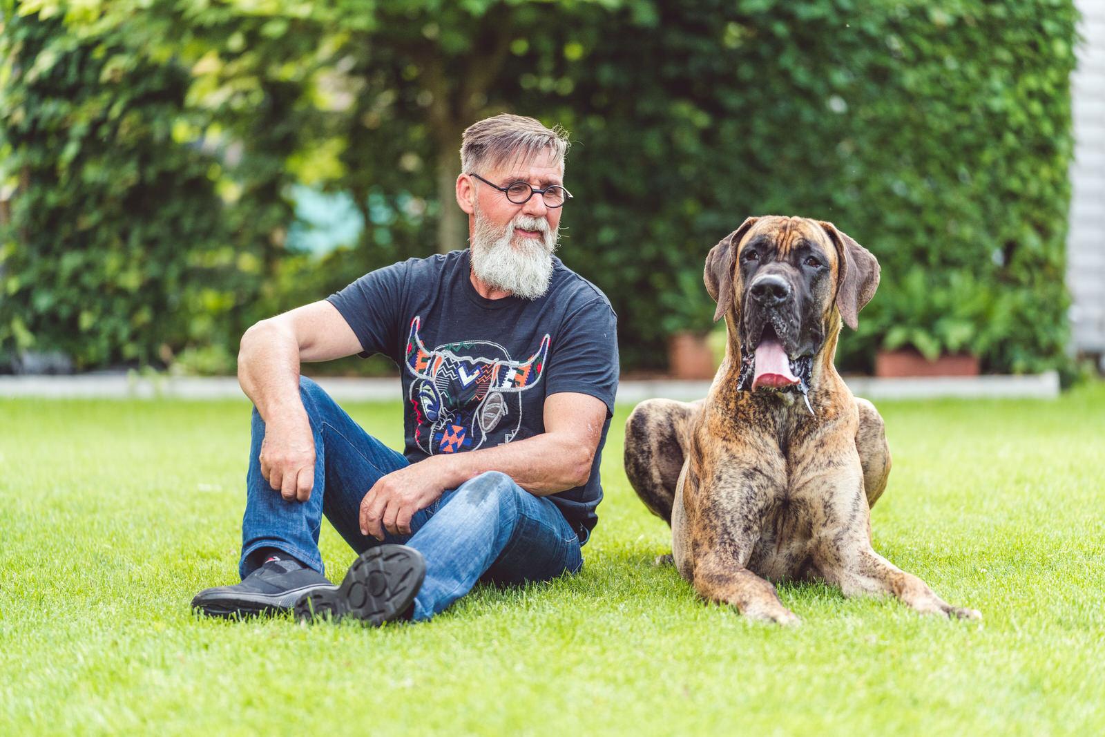 baasje en hond