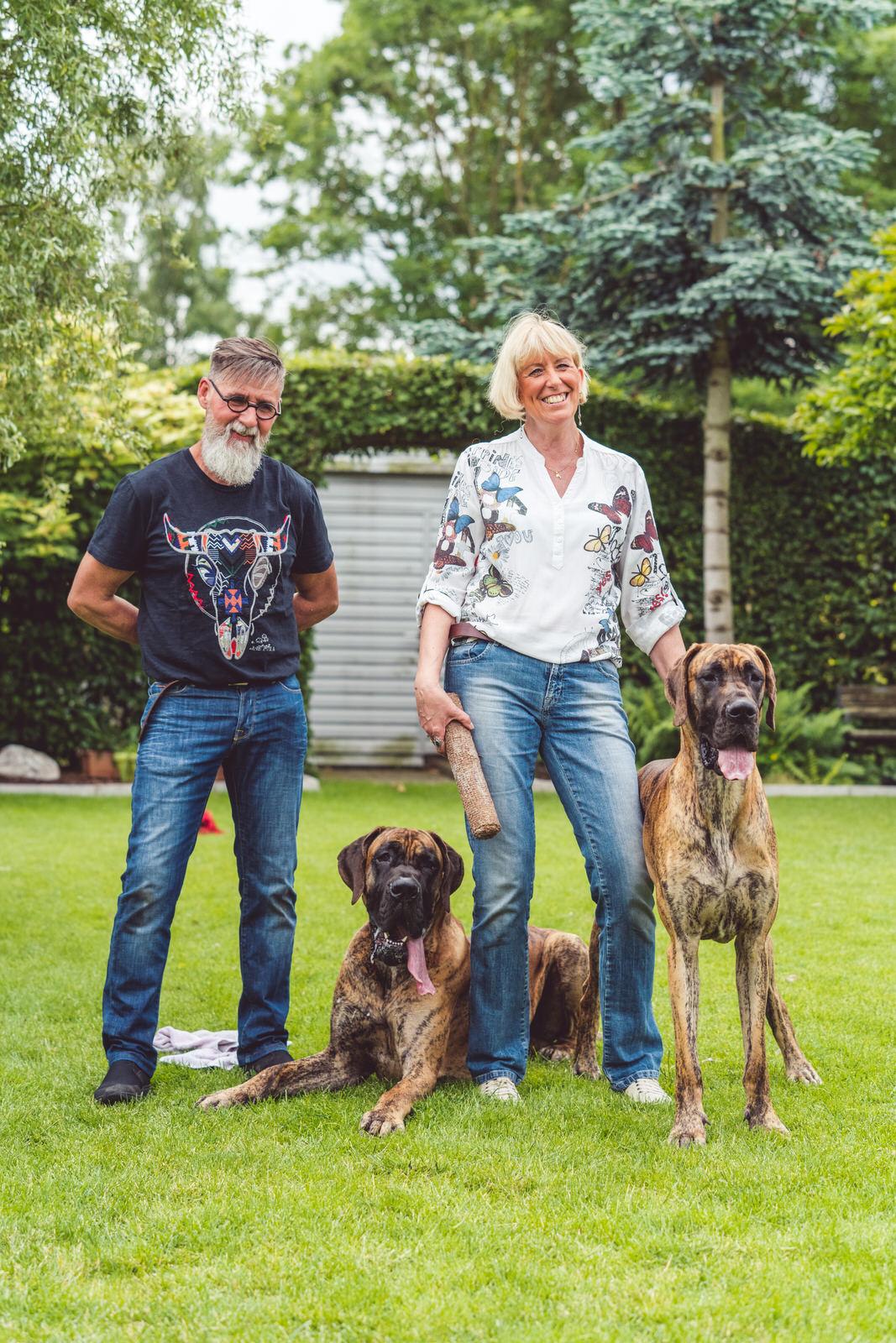 hondenportret familie lacht