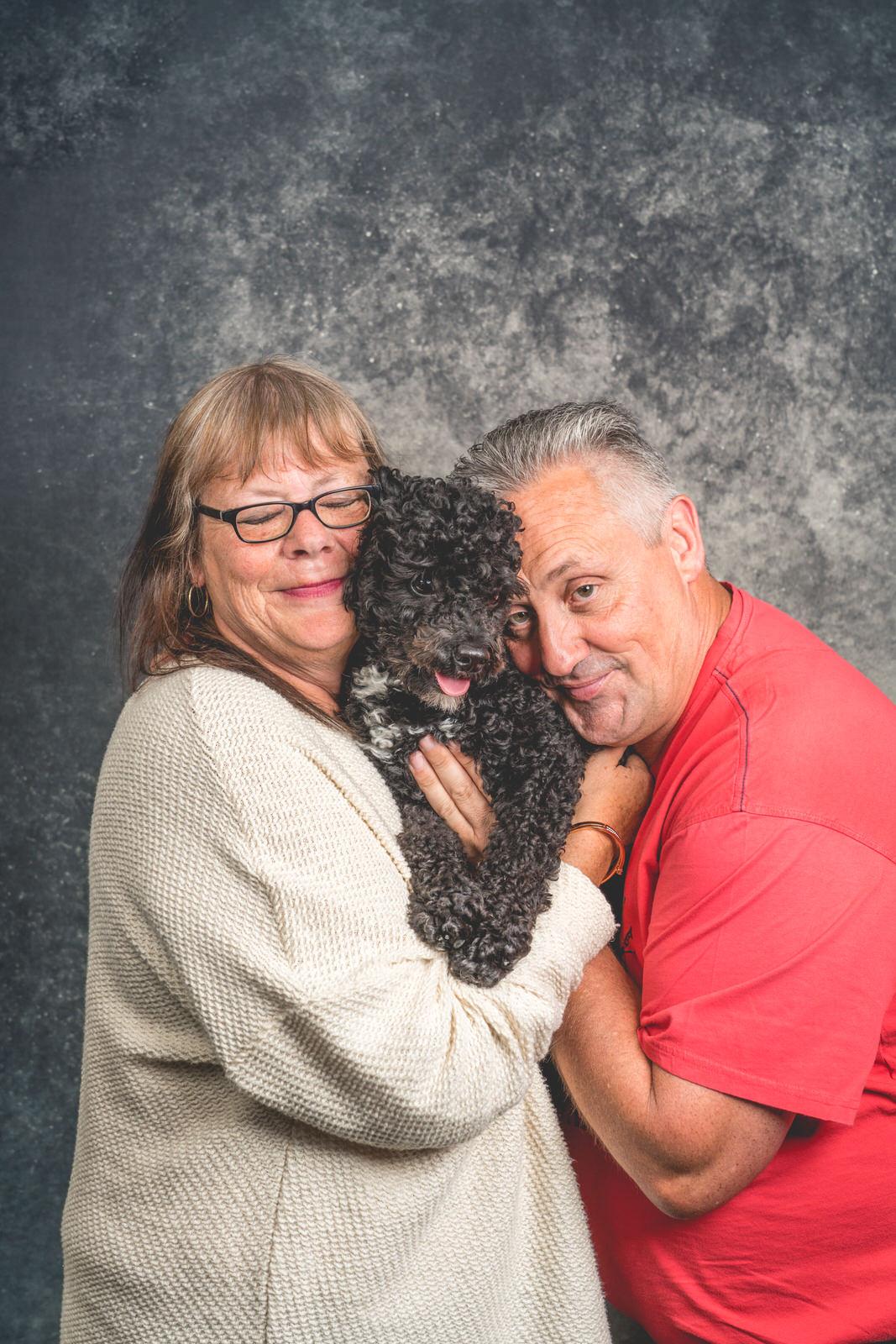 portret met poedel gezin